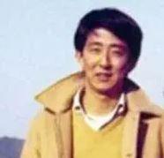 安倍晋三がコロナ前から顔が変わったのは疲労か?大学や昔の若い頃の画像とも比較!