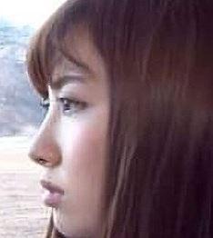 小嶋陽菜は整形で顔が変わったし現在もアップグレード中?高校の卒アルと違うかも画像比較!