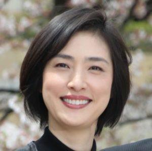 天海祐希の宝塚時代の画像がイケメンすぎ?若い頃から人気度に変化なしか現在までの写真と比較!