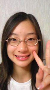 足立梨花は整形で目を二重にして顔変わった?高校時代の卒アルやすっぴんが別人の画像を調査!