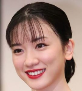 永野芽郁は顔かわいいがなぜか鼻が気になる…子役時代のちびまる子ちゃんや高校の画像と比較!