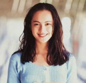 牧瀬里穂は現在の顔が変わったし劣化した?若い頃のアイドル時代やCM女王だった全盛期の画像と比較!
