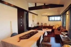 小池百合子の自宅は一軒家で豪邸すぎる?東京都知事の年収についても調査!