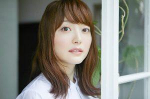 花澤香菜は整形で目を二重にして顔変わった?高校時代の卒アルやすっぴんが別人か画像で比較!